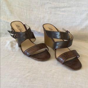 "Stylish brown Life Stride 3 1/2"" wedge heel!"